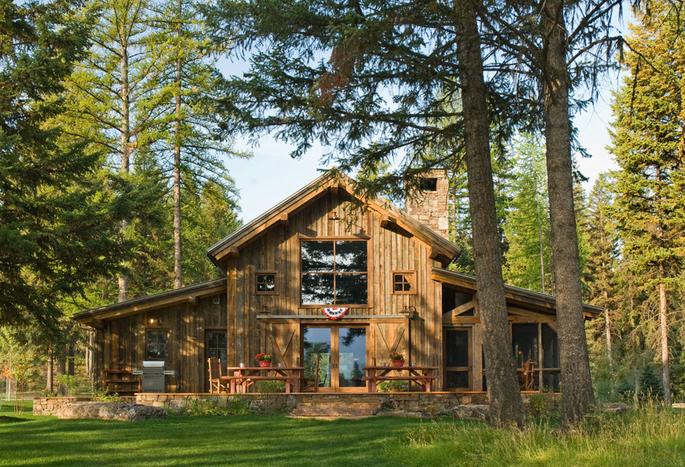 Montana mountain barn retreat small house swoon for Barn home builders