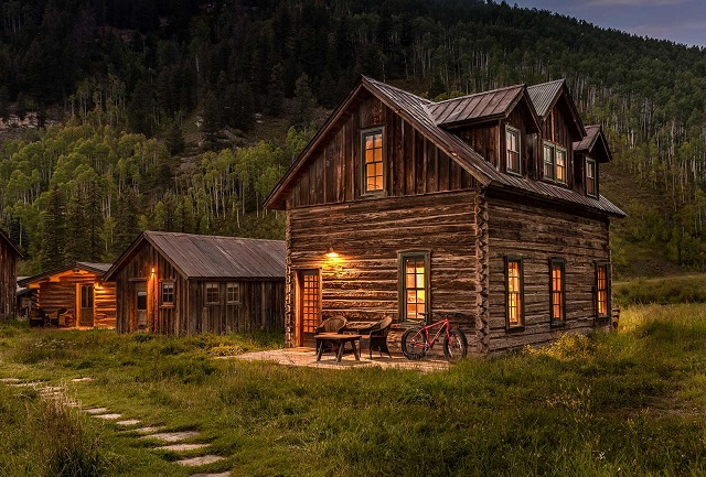 The Tipping Cabin Colorado