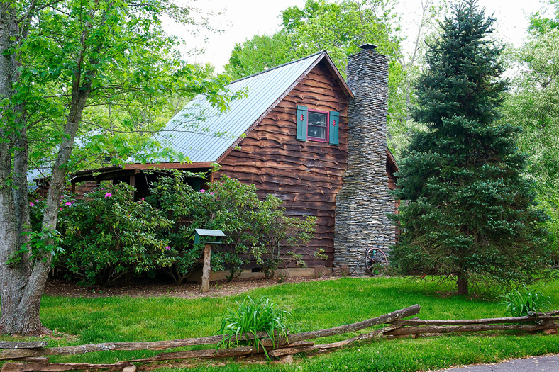The duck tavern mountain springs cabins n carolina for Mountain springs cabins asheville nc
