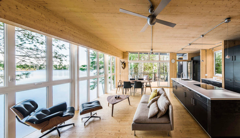 Timber cottage quebec canada for Small house design canada
