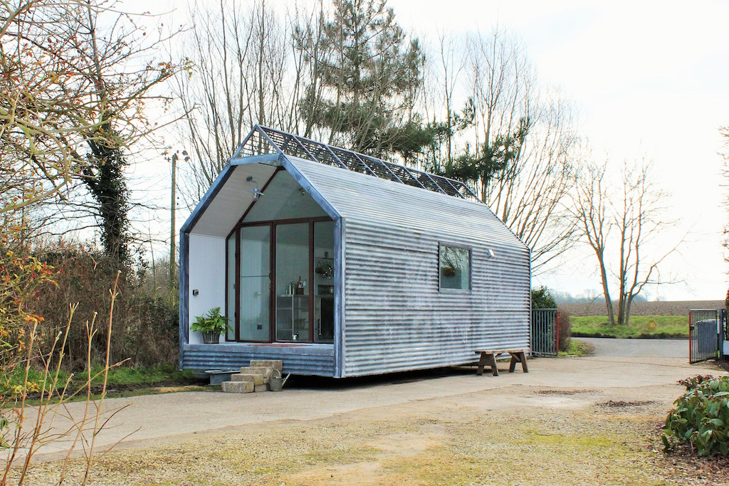 Contemporary shepherds hut tiny house swoon for Small hut plans