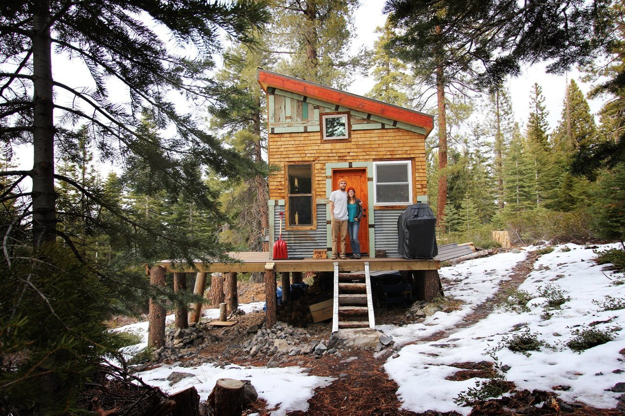 A diy self sustainable micro cabin in california for Foundation tiny house builders