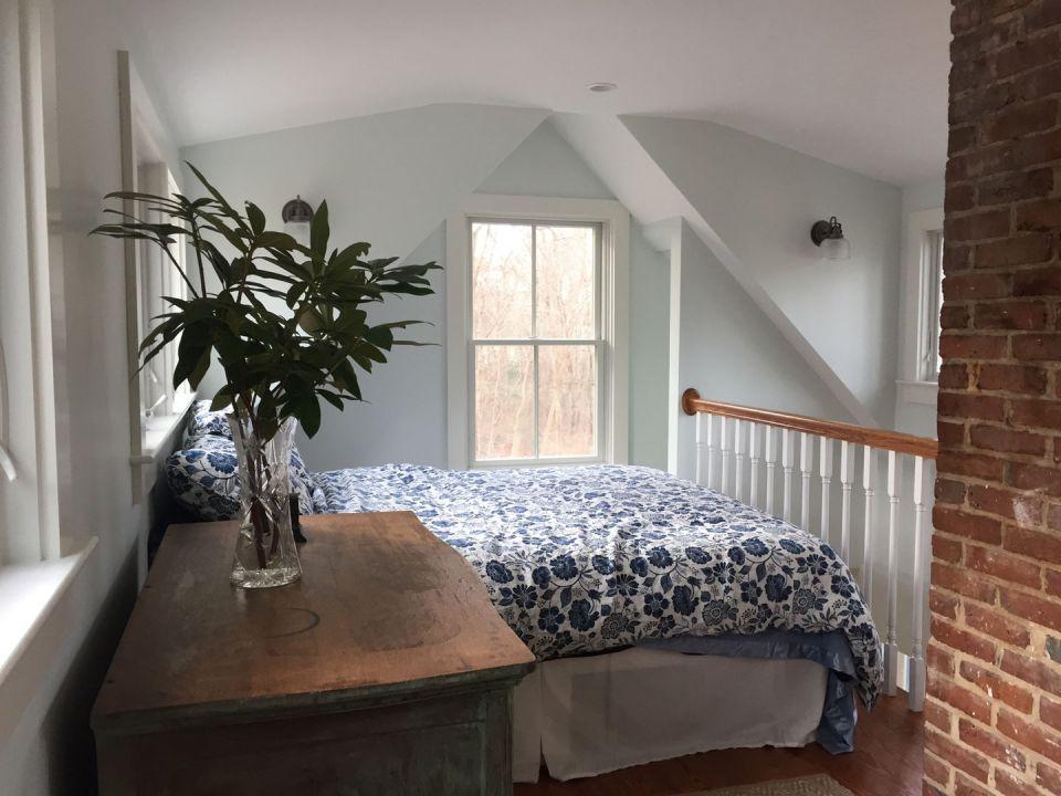 Tiny Cape Cod Cottage Bedroom1 Via Smallhousebliss