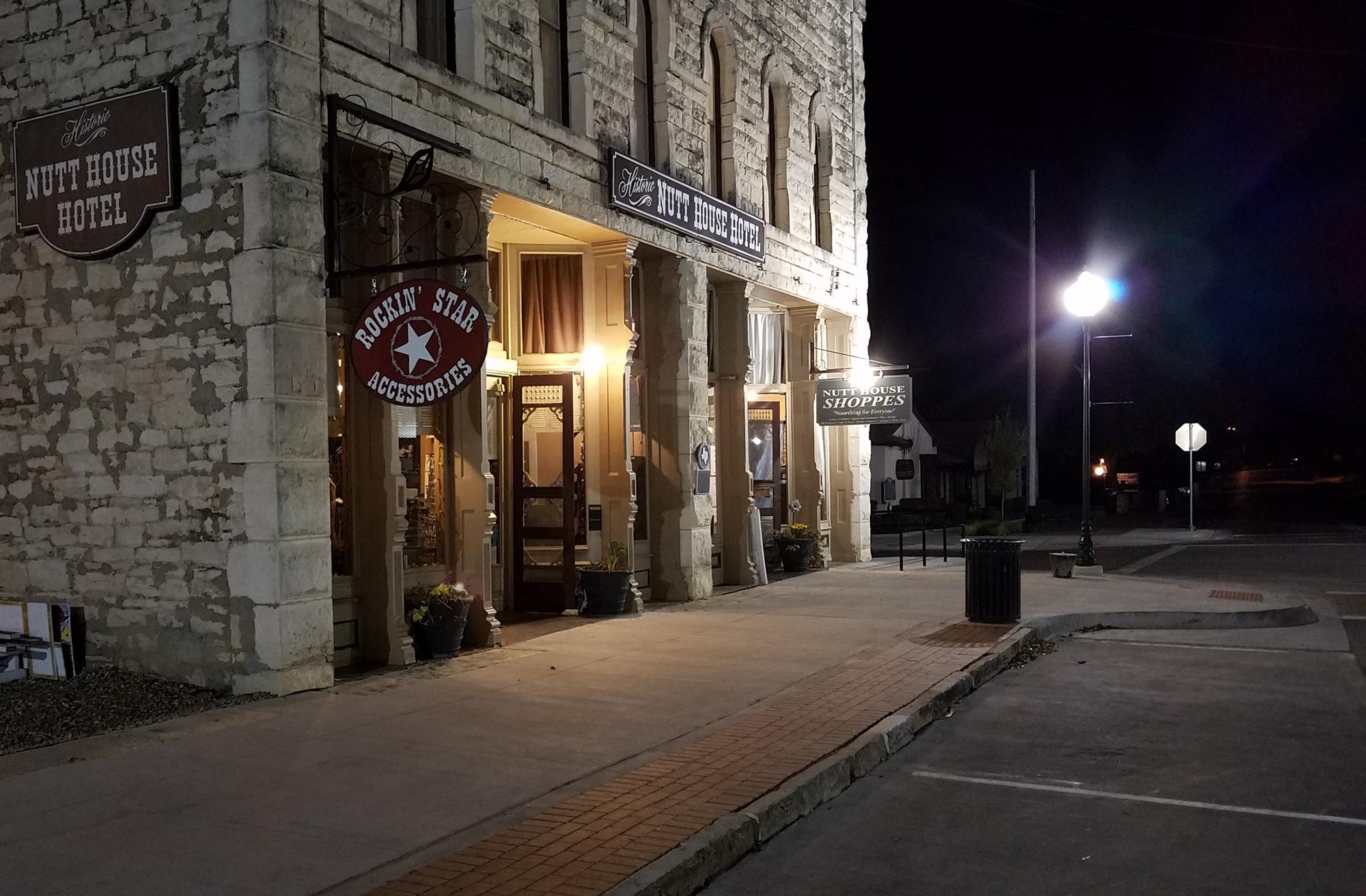 Historic Granbury Texas, Downtown Granbury Texas, Texas Retirement Towns, Lake Towns Texas, Antique Shopping Texas, Granbury Square