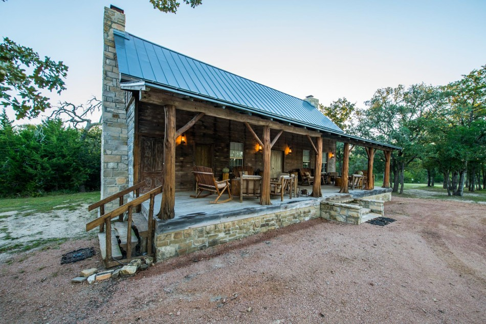 east texas log cabin small house swoon
