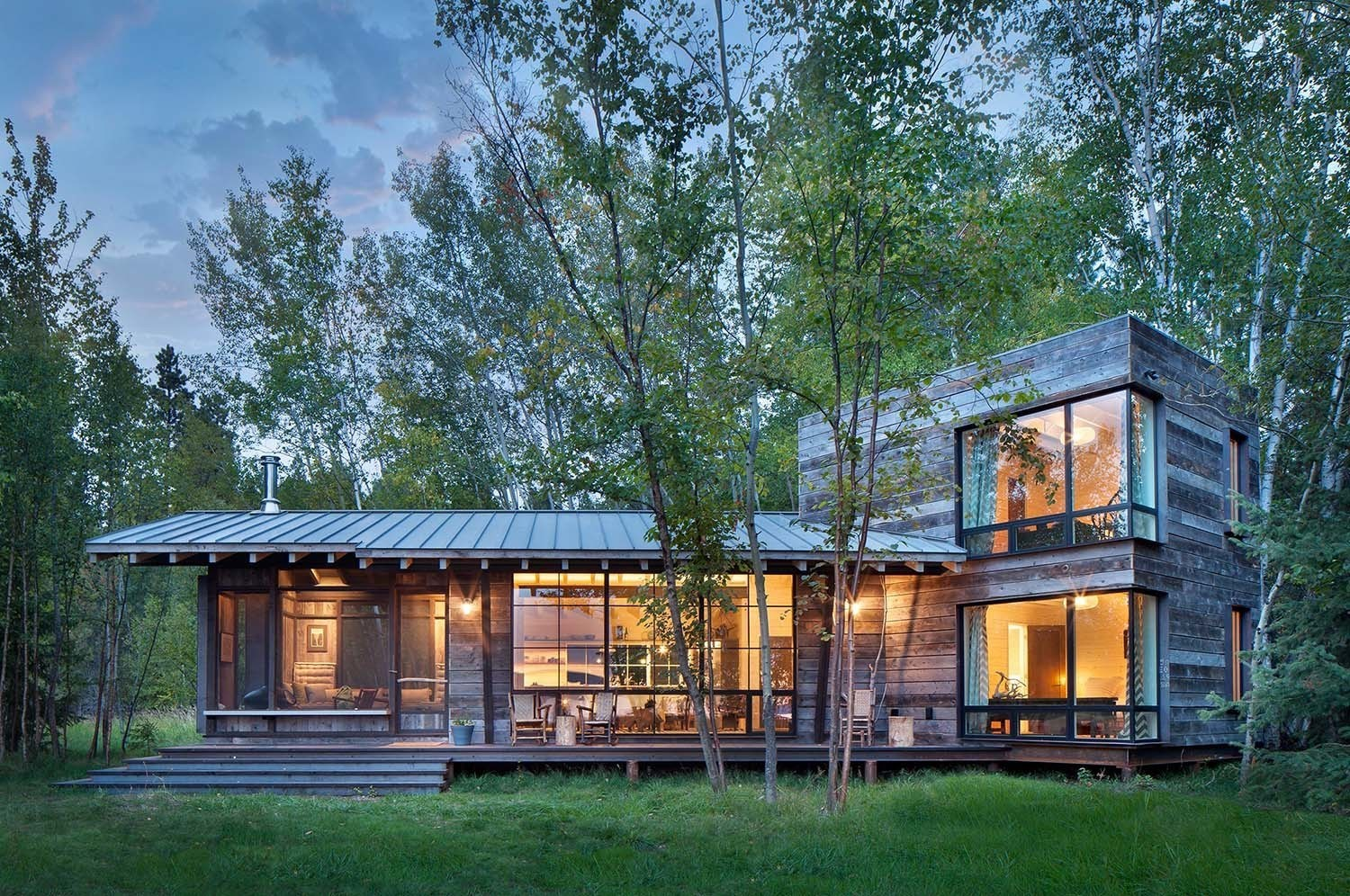 Modern rustic cabin montana for Rustic lodge