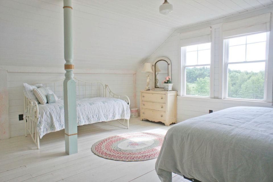 woodstock-barn-conversion-bedroom3-via-smallhousebliss